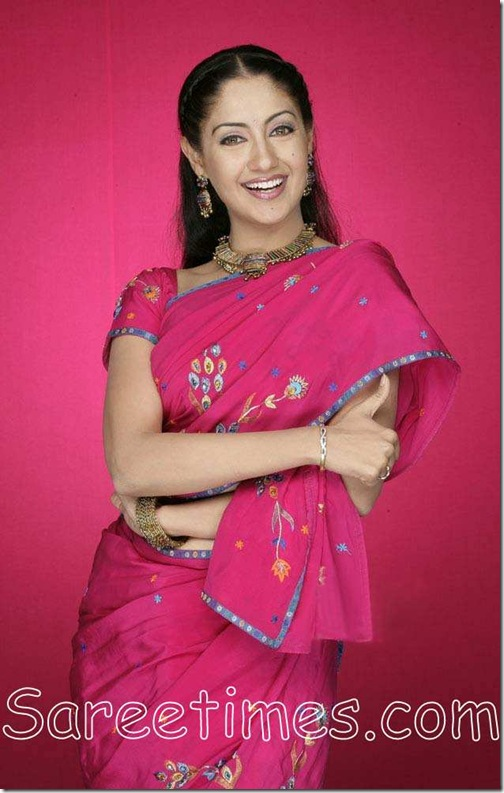 Gurlin_Chopra_Pink_Saree