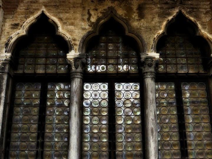 Palazzo Fortuny, dettaglio finestre