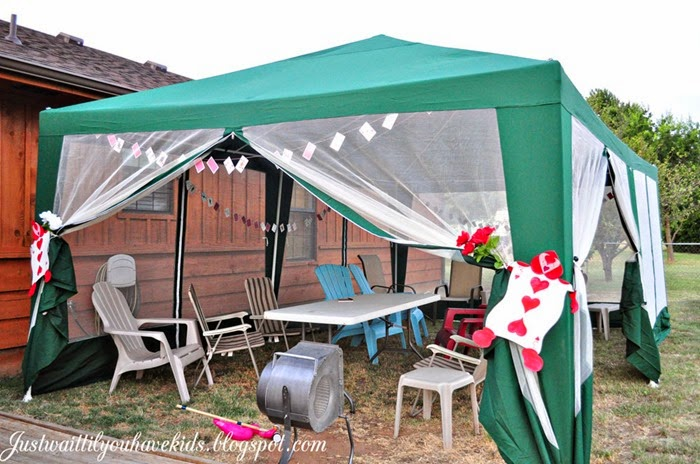 Queen's-Court-Tent