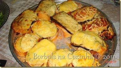 Bruschettas de berinjela e 4 queijos
