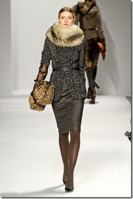 Elie-tahari-FALL-2011-RTW-podium-036_runway