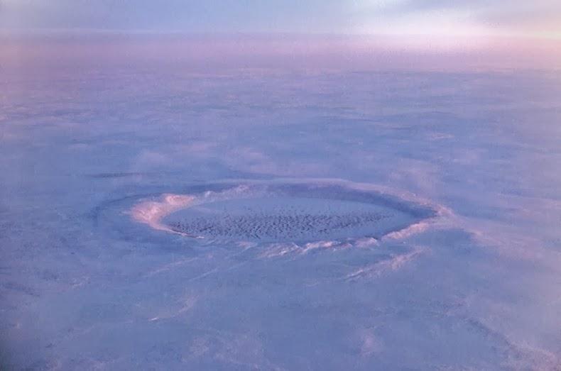 pingualuit-crater-2