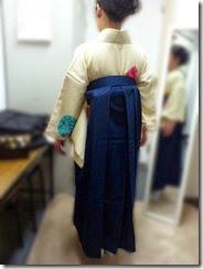 卒業生を袴姿でお見送り (2)
