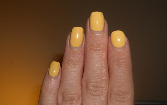 03-accessorize-nail-polish-sunny-yellow