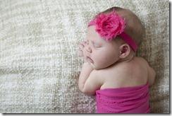 Lexi_newborn_09