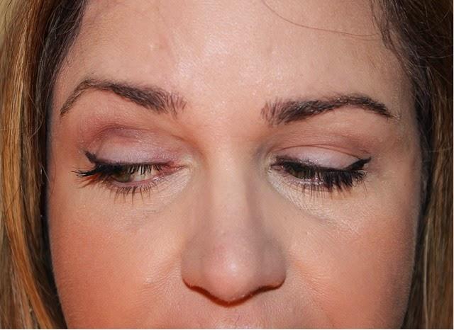 L'Oreal Voluminous eyeliner Face 2