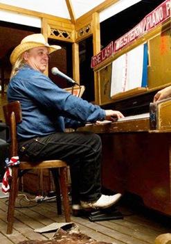 pianista saloon