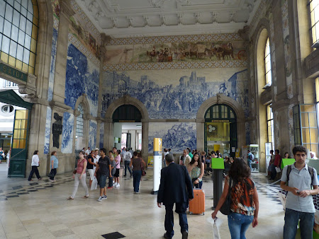 Things to see in Porto: The train station