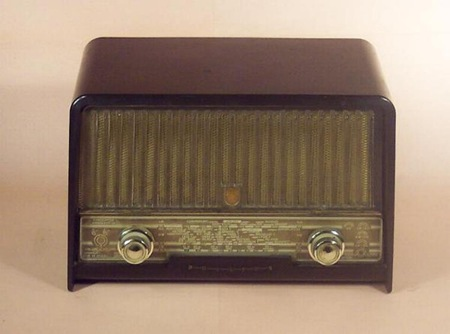 Ημερίδα του Τ.Ε.Ι. για «Το ραδιόφωνο από το χθες στο σήμερα» (1.6.2013)