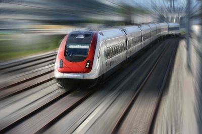 energia-producida-por-frenado-de-tren