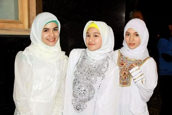 Jilbab In Love (1)