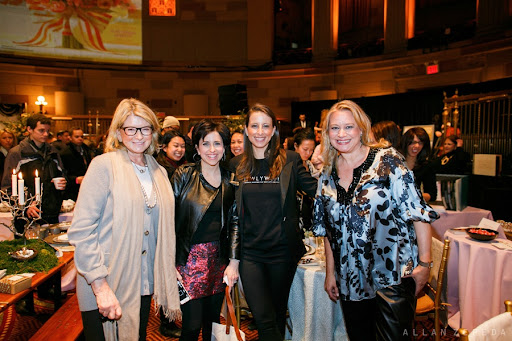 Martha, Darcy, Amanda from NewlyWish, and Claudia Hanlin.
