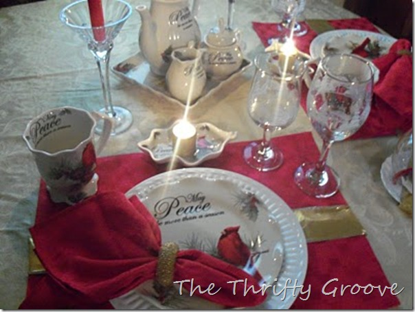 Red Cardinal Table 029