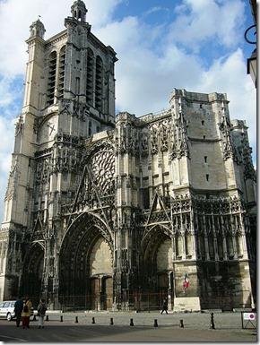 450px-Cathédrale_de_Troyes_2006