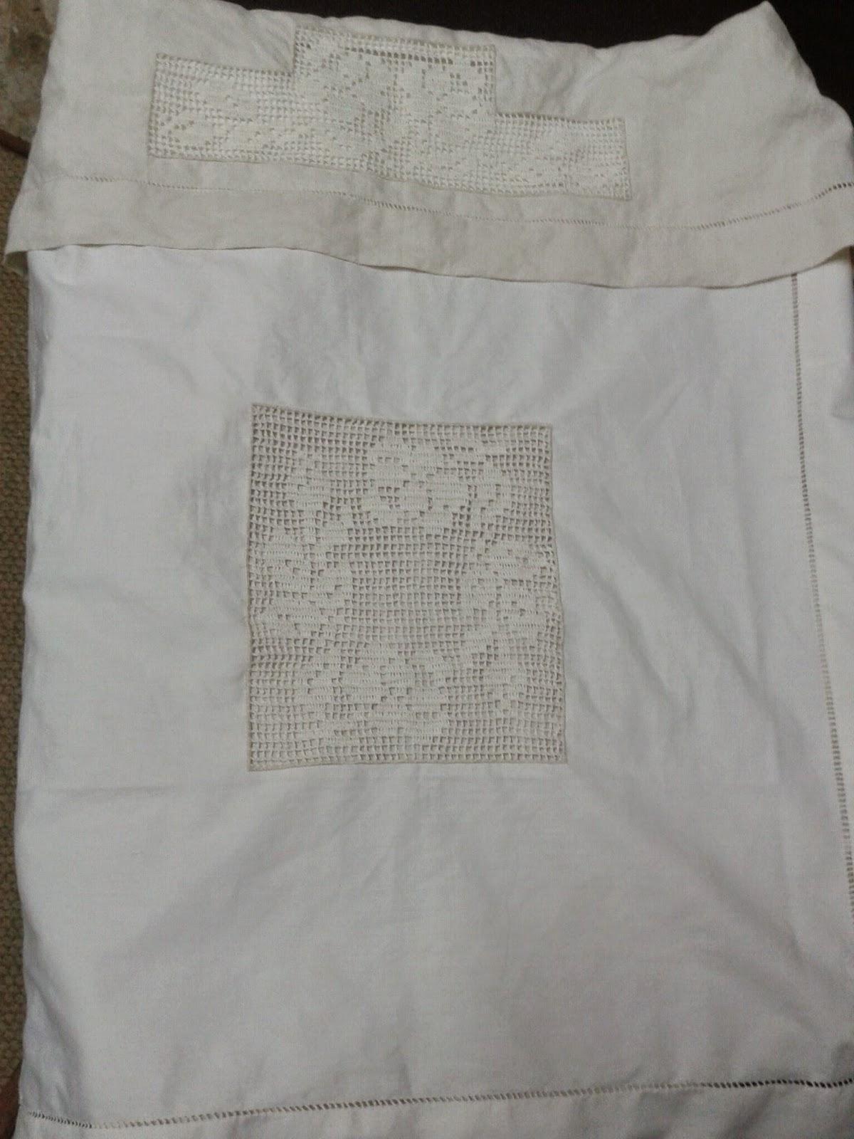 Vecchietradizioniamano copertina e lenzuolo lino e filet - Centri uncinetto camera da letto ...