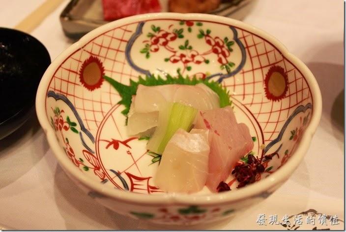 日本北九州-由布院-彩岳館。3.生魚片,有鯛魚(red snapper)、烏賊(squid)、紅魽(amberjack)、比目魚(flat fish),新鮮美味。
