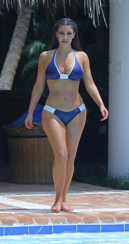 kim-kardashian-linda-sensual-sexy-sedutora-boob-peitos-decote-ass-bunda-gostosa-desbaratinando-sexta-proibida (53)