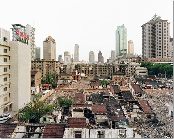 Sze Tsung Leong_Xinjiekou, Xuanwu District, Nanjing, 2004