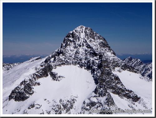Arista NO y Descenso Cara Oeste con esquís (Pico de Arriel 2822m, Arremoulit, Pirineos) (Isra) 9436