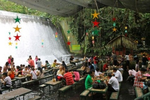 Waterfalls-Restaurant-in-Villa-Escudero-001