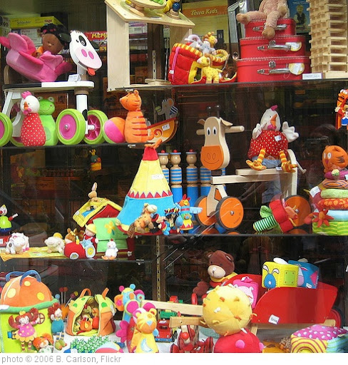 'So Many Toys' photo (c) 2006, B. Carlson - license: http://creativecommons.org/licenses/by/2.0/