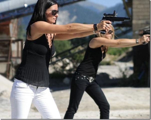 Mulheres com armas (15)