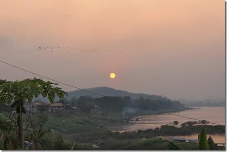 เชียงคาน ดูพระอาทิตย์ตก