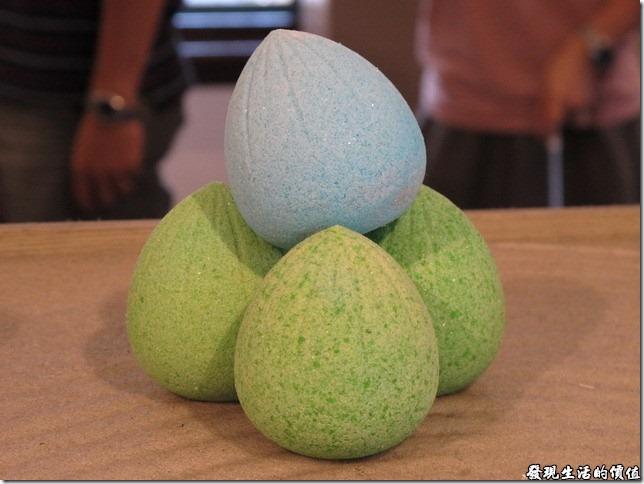 台南夕遊出張所-請相信我,這些都是鹽巴作成的,如果沒有記錯的話,這個是彩延燒,裡面包裹個一顆雞蛋。