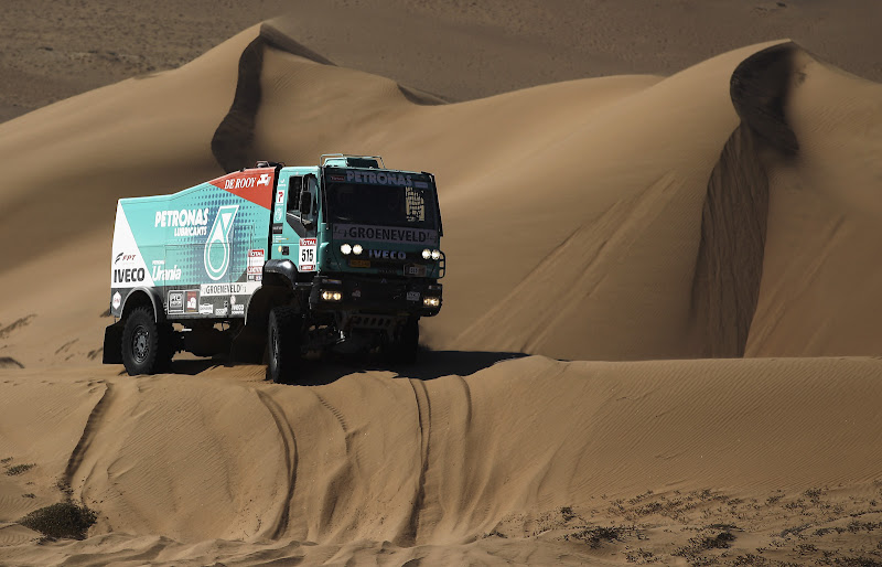 COPIAPO, CHILE - JANUARY 07:  Pep Vila of Spain drives his Iveco truck over a sand dune during stage seven of the 2012 Dakar Rally from Copiapo to Copiapo on January 7, 2012 in Copiapo, Chile.  (Photo by Bryn Lennon/Getty Images,)