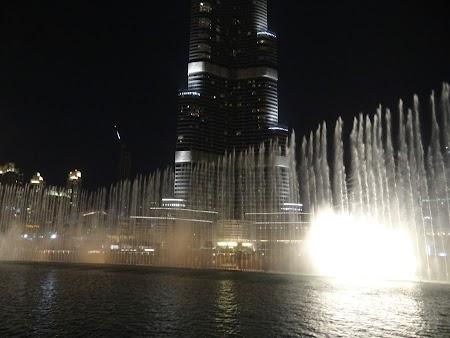 Spectacol lumini si fantana Dubai Mall