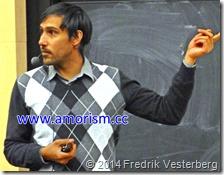 DSC00739.JPG Fysikern Rahman Amanullah vid Oskar Klein Center Stockholms universitet med amorism
