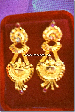 Thangamayil Jewellery design pictures