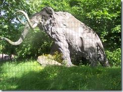 2008.05.26-009 statue de mammouth