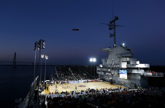 Баскетбол на авианосце