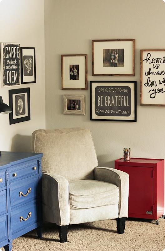 Wallternatives and easy corner gallery wall 4