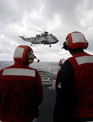 Indian Navy Helicopter aboard US Warship