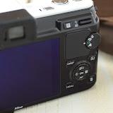 Nikon 1 V1 ホワイトの裏面