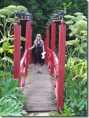 2012.08.01-020 Stéphanie sur le pont chinois
