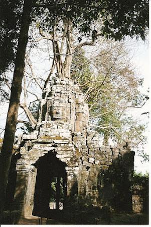 Angkor wat: The north gate