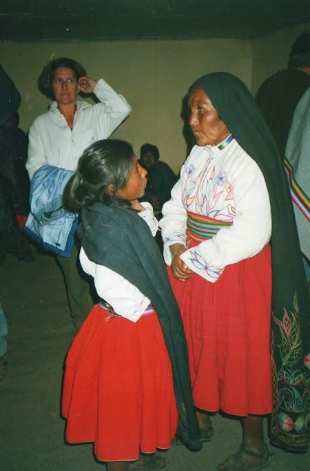 Lacul Titicaca: Femei aymara din Peru