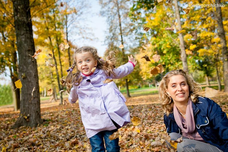 Осенняя фотосессия Софии. Осенняя фотосессия Гродно. Детский фотограф. Семейный фотограф