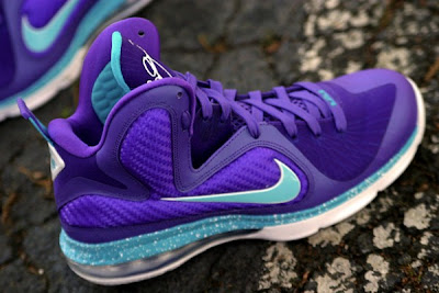 nike lebron 9 gr summit lake hornets 7 03 Nike LeBron 9 Hornets Pack: Shoes, Socks, AW77 Hoody