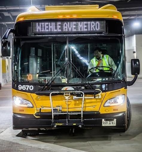 Wiehle Metro Bus.jpg