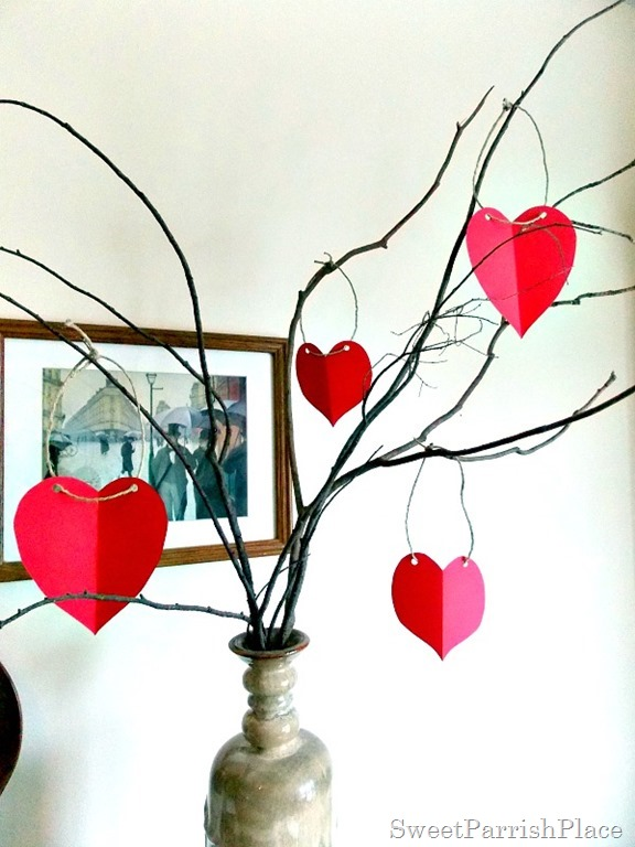 paper heart Valentine Tree4