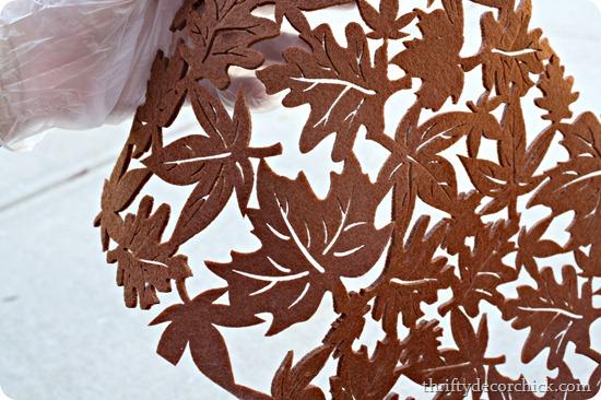leaf tablerunner