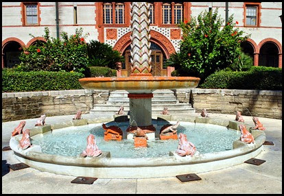 07d - Flagler College - Frog and Turtle Fountain