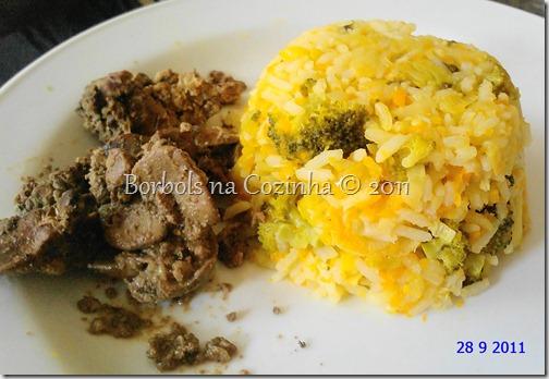 arroz gengibre, alho poró, brocolis