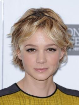 Carey Mulligan with Short Messy Hairstyle