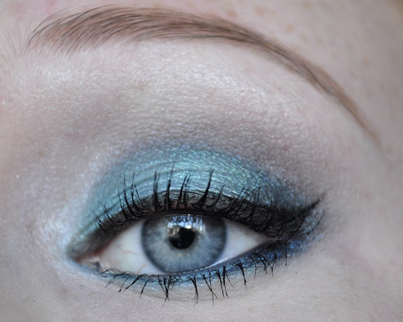 blue had me at hello wetnwild makeup look