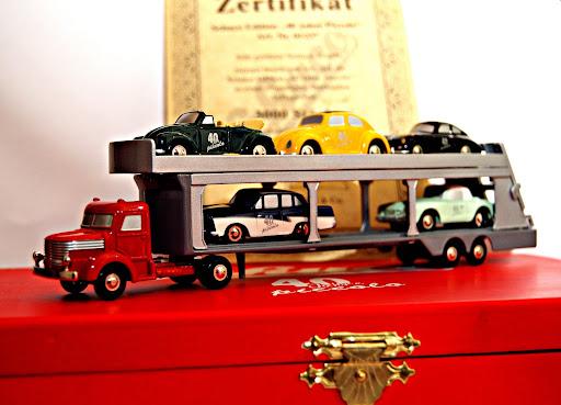 Porsche 356, Ford 17 m,